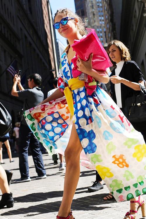 纽约时装周貌美都上街凹造型