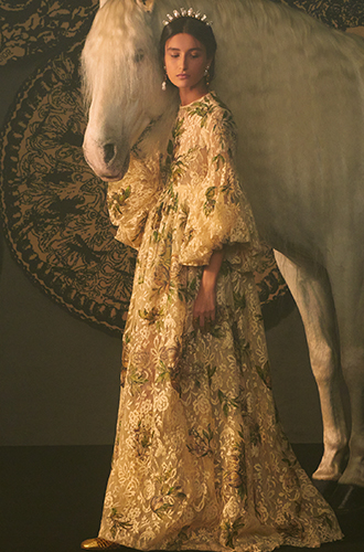 Dior用一针一线,编织了一座