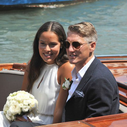 伊万和小猪在威尼斯完婚